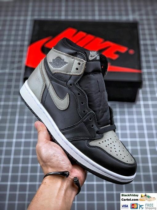 Air Jordan 1 Retro High OG Black & Grey Sneakers