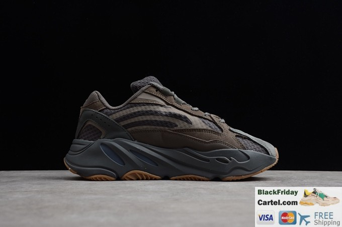 Kanye West × Adidas Yeezy Runner Boost 700 Retro Grey Dad Shoes