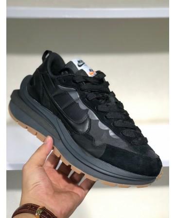 A New Sacai x Nike Pegasus Vaporfly Five-layer sole Sneakers Black