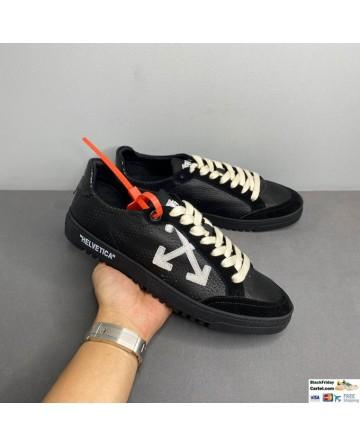 Off-White Low Vulcanized Sneaker Black & White