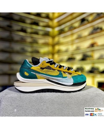 Sacai Nike Pegasus VaporFly SP Sneaker Green Yellow